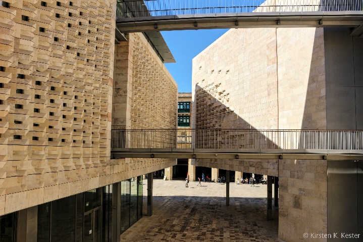 Parlamentet på Malta © Kirsten K. Kester.com | Kirsten K. Kester