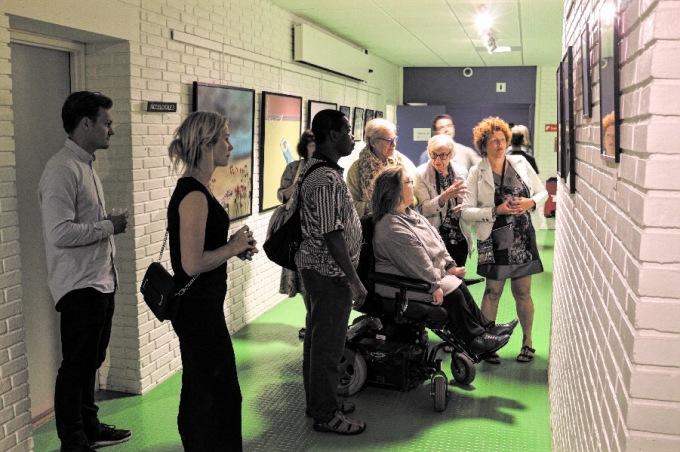 Talking to guests at exhibition at Herlev Kunstforening © KirstenKKester.com | Kirsten K. Kester